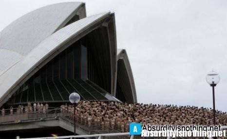 5000 nudi davanti all'Opera House di Sydney