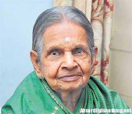Narasamma no nbeve acqua da 78 anni