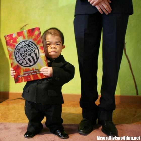 Edward Nino Hernandez - L'uomo più basso del mondo
