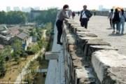 Nimble Ma Jei, scala il castello per non pagare l'ingresso (2)
