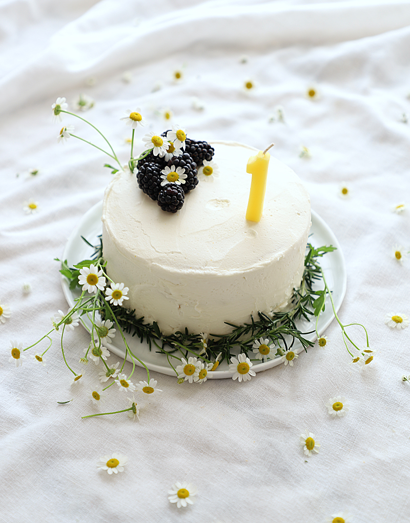 blackberry cake for one year old