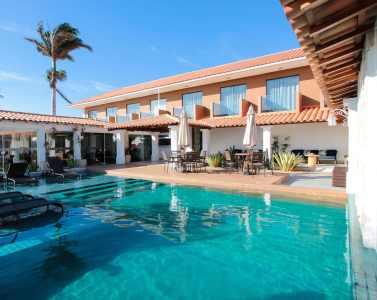 Piscina-Hotel-Premium-em-Cabo-Frio-1130x900