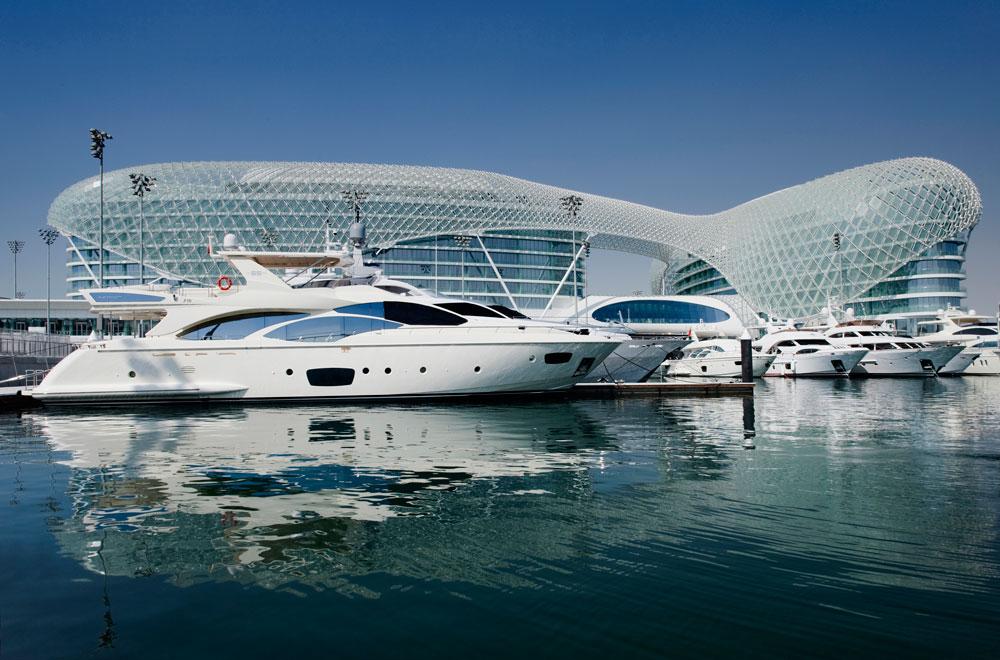 Yas-Marina élményautózás Abu Dhabi