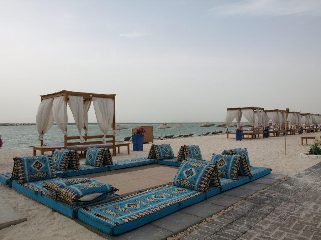 Yas Viceroy Abu Dhabi Hotel 10