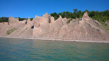 Chimney Bluffs formations