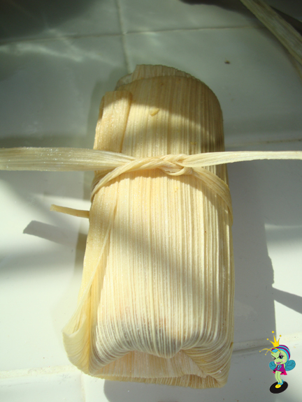 add a corn husk tie to hold it all together (don't tie too tight!)