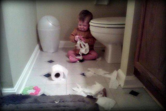 طفل عمل كارثة بالبيت