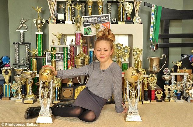 طفلة بسن ال9 تمتلك مهارة فريدة في فنون الدفاع عن النفس