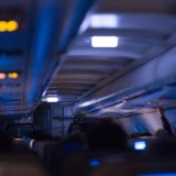 planes dim their lights when landing