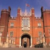 أشباح قصر هامبتون كورت