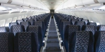 المقاعد في الطائرة
