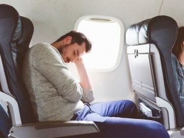 النوم بوضعية الجلوس