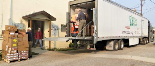 IMG_9382 missoula food bank truck at food pantry (002)
