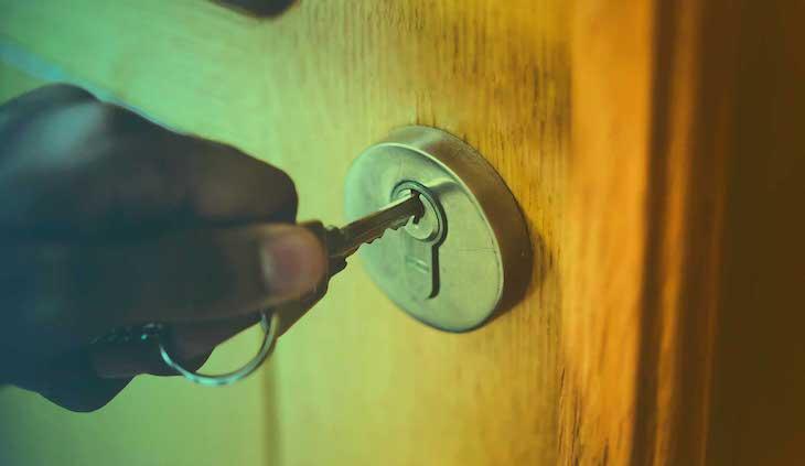 كيف تستخدم ساعة آبل واتش كمصباح إضاءة
