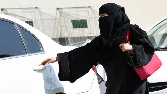 أوبر وكريم قد تتضرّران من قرار السماح بقيادة المرأة للسيارة في السعودية