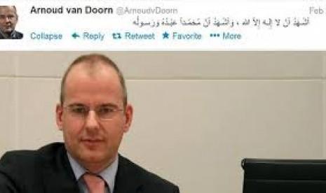 Twitter Van Doorn Yang Mendaklarasikan Keislamannya