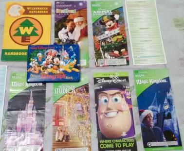Mapas, tarefas, revistas, diversão extra na Disney World.