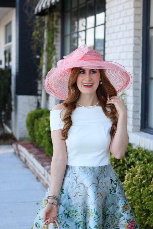 Kentucky Derby | Kentucky derby outfit | Kentucky derby outfit for women | Kentucky derby hats | tips for attending the Kentucky derby | kentucky derby fashion | how to attend the Kentucky derby