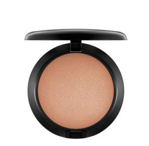 Mineral bronzer compact