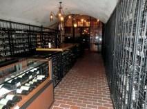 シダックスグループの創業者、志太さんの貴重なコレクションワインセラーも見学できます。Photo:N.A.