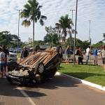 Motorista recusa realizar teste do bafômetro após carro capotar e atingir veículos na Canal