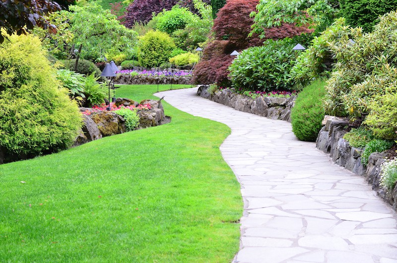 Garden Path Ideas | Mulch | Gravel | Wooden | Crazy Paving on Patio And Path Ideas  id=76955