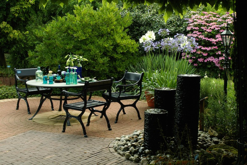 Garden Patio Ideas London | Shapes and Sizes | Materials on Patio Shape Designs id=57512