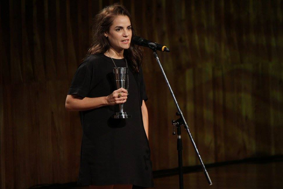"""Pilar Gamboa recibe el premio a Mejor Actriz de Reparto por """"Cómo funcionan casi todas las cosas"""""""