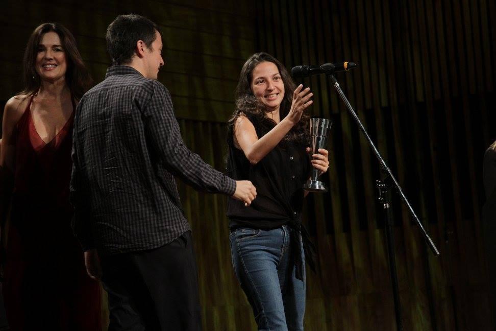 """Francisco Márquez y Andrea Testa reciben el premio a Mejor Guión Adaptado por """"La Larga Noche de Francisco Sanctis"""""""