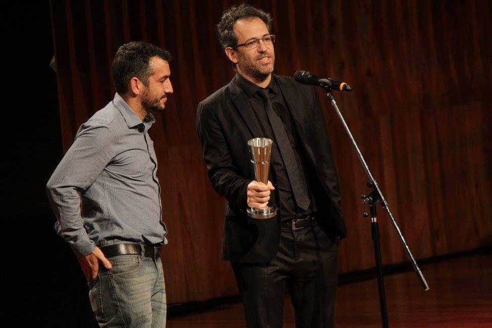 """Bechén de Loredo y José Caldararo reciben el premio a Mejor Sonido, en nombre de Leandro de Loredo, por """"Gilda, no me arrepiento de este amor"""""""
