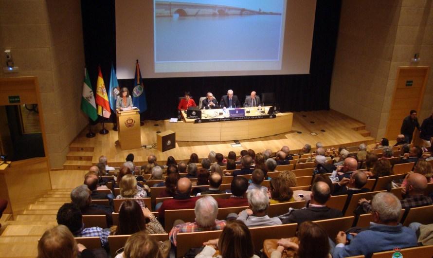 La Academia entregó el XLV Premio Puente Zuazo en un acto con una conferencia de Dª María Elena Martínez Rodríguez de Lema sobre la epigrafía local
