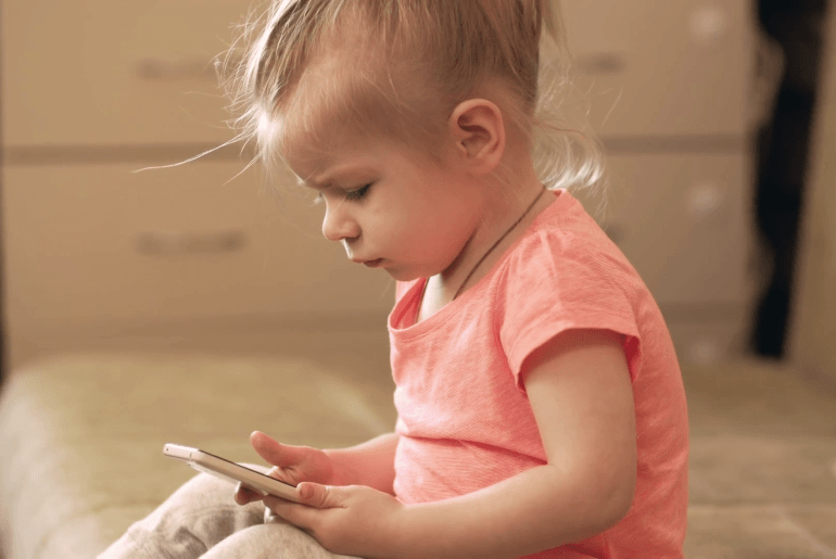 Shame Parents Who Give Phones To Toddlers