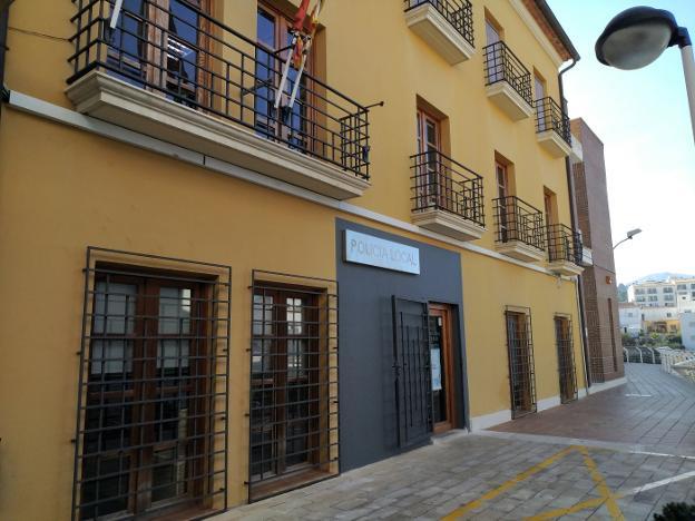 Ayuntamiento Gata de Gorgos – Bases y convocatoria para 1 plaza de Policía Local. Publicación en el BOE – DOGV. Presentación de instancias.