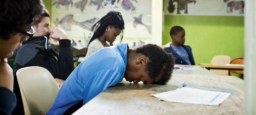 Comment réduire drastiquement le nombre de jeunes français qui sortent de notre système éducatif avec un niveau de formation très insuffisant ?