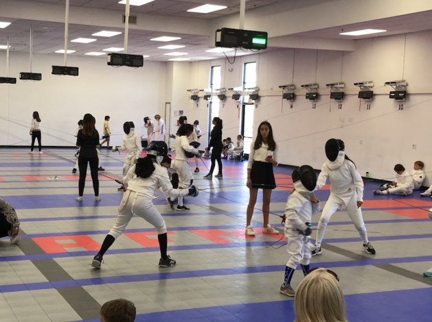 8 Essential Ref Skills for Beginner Young Fencing Referees to Master