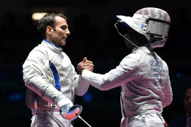 Áron Szilágyi and Daryl Homer shaking hands after Rio 2016 final bout