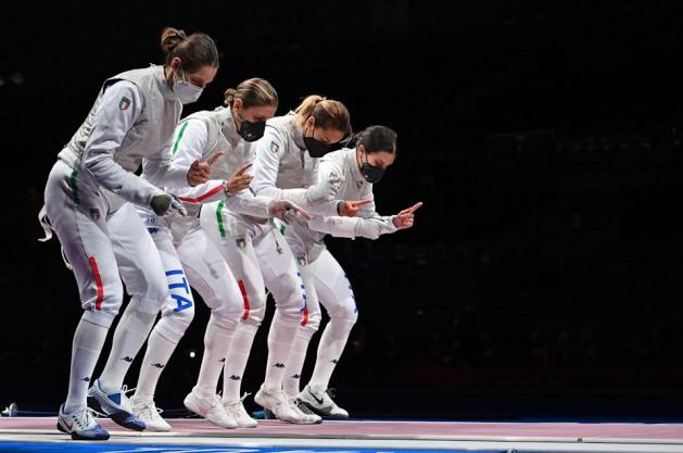 Fencing history was made in Tokyo 2020 - Italian Women's Foil Team greets their opponents before the match starts