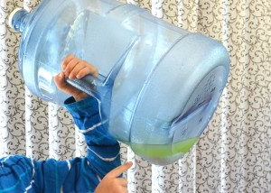 How to clean a water bottle without soap