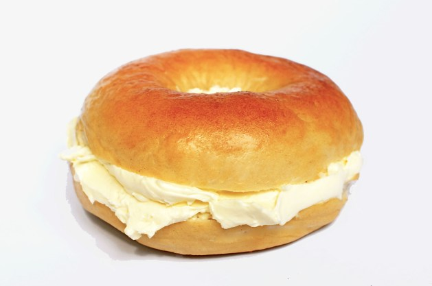 Bagel with cream cheese is a good choice for a healthy breakfast on fencing tournament day
