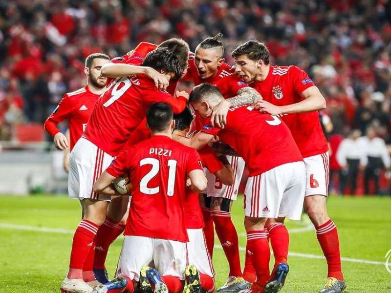 Em dia de Benfica na SIC, TVI perde durante 23 horas
