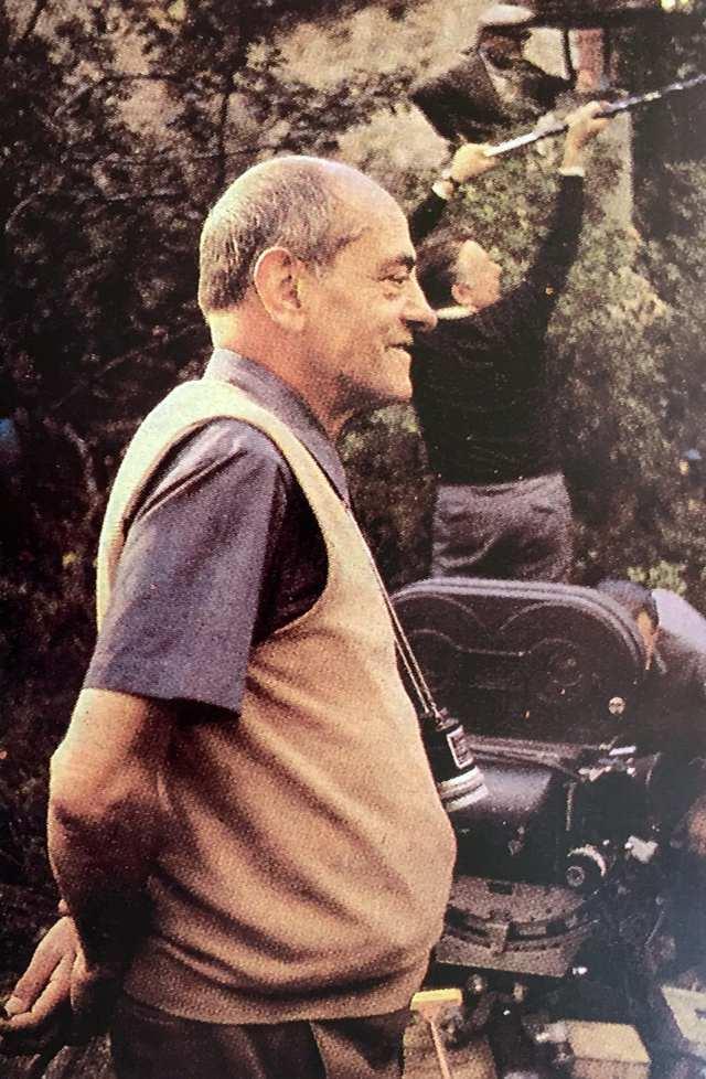 """Luis Buñuel en el rodaje de """"La vía láctea"""" 1969"""