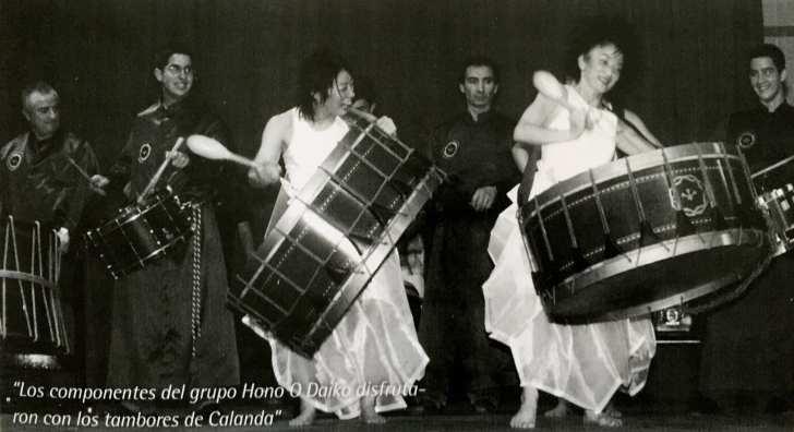 """Los tambores de Calanda con las componentes del grupo """"Hono O Daiko"""""""