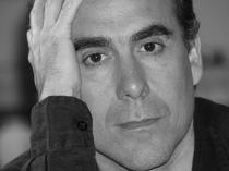 Vicente Álvarez presentó «Más allá hay dragones» en Espacio Amarante