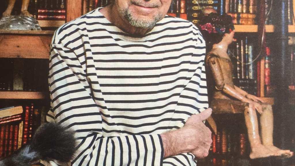 """Joaquín Sabina: """"No hay duda que una buena biblioteca dice mucho del habitante de la casa, de sus inquietudes, talante e incluso de su visión de la vida."""""""