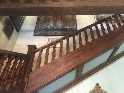 Escalera principal decorada con tapices del s.XVI
