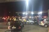 Bandidos fecham trecho da BR 232 e assaltam motoristas