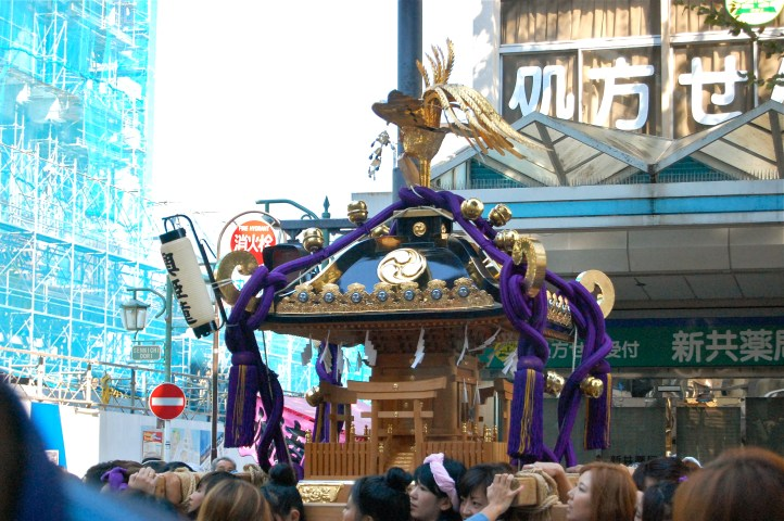 The Hubby and I went to the bases 38th Annual Mikoshi Parade. The Mikoshi are these beautiful portable shrines that are carried by poles on the shoulders of men and women.