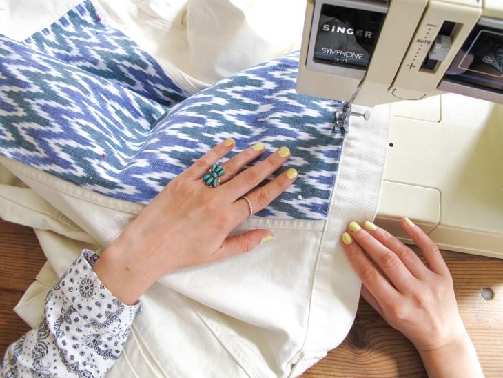DIY // Comment customiser une veste en jean // How to make a boho denim jacket // A Cardboard Dream Blog