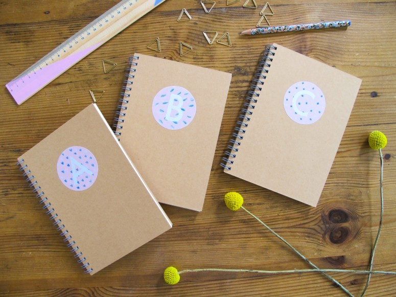 DIY / Printable / Comment réaliser des carnets personnalisés monogrammes // How to make monograms notebooks