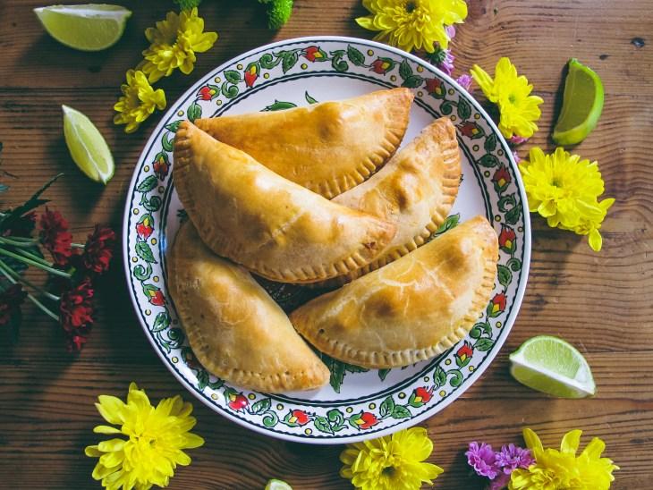 Recette : Empanadas Poulet, citron vert et coriandre // Recipe : How to make lime chicken coriander empanadas